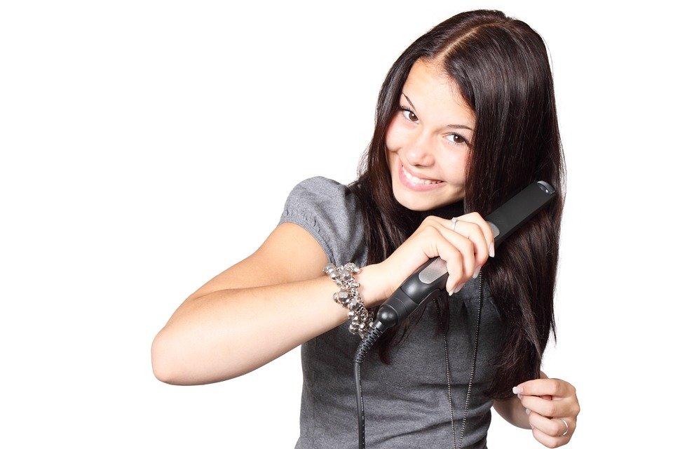 +3 planchas de pelo que no dañan ni maltratan el cabello